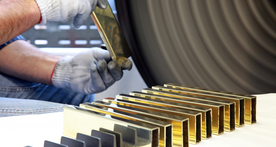 Lucidatura Metalli Automatica e Manuale