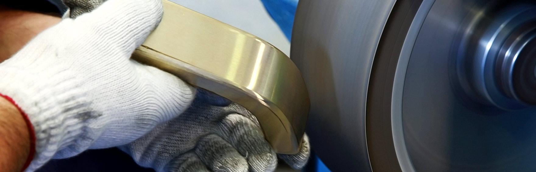 Smerigliatura e satinatura metalli a Brescia